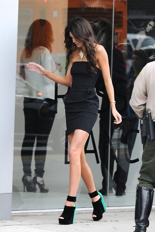 Kendall Jenner at Nomad Two Worlds Gallery in LA on April 24, 2013
