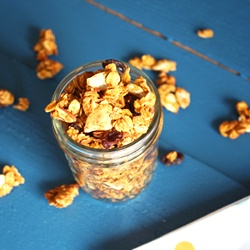 Easy to make pumpkin spice granola. | Food and Restaurants | Pinterest