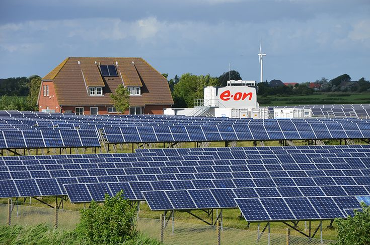 In response to changing energy market conditions, E.ON has announced that it plans to ditch the company's nuclear and fossil fuel assets in favour of renewable energy. But critics say that the coal and gas plants will remain and that E.ON is basically just changing names. Learn more: http://grenblg.in/15NXhkD