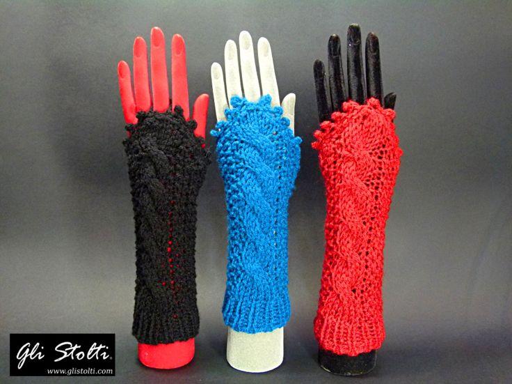 """Guanti di pura lana senza dita modello """"Lagertha"""" realizzati artigianalmente con lavorazione all'uncinetto. Gli Stolti Original Design. Handmade in Italy. Vai al link per tutte le info: http://gli-stolti.blogspot.it/2014/11/guanti-di-lana-senza-dita-lagertha-vari.html #moda #artigianato #madeinitaly #design #maglieria #lana #roma #shopping #fashion #handmade #knitwear #crochet #wool"""