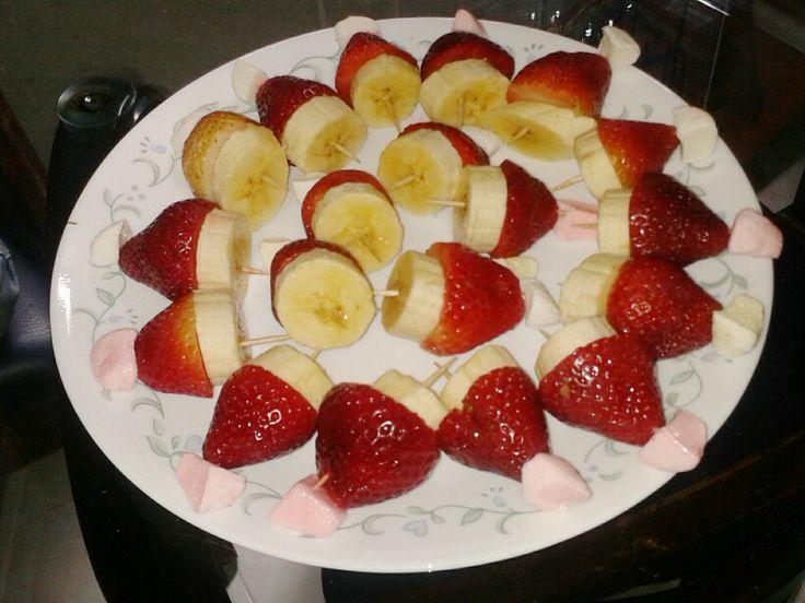 Gorros Navideños con fresas y banano