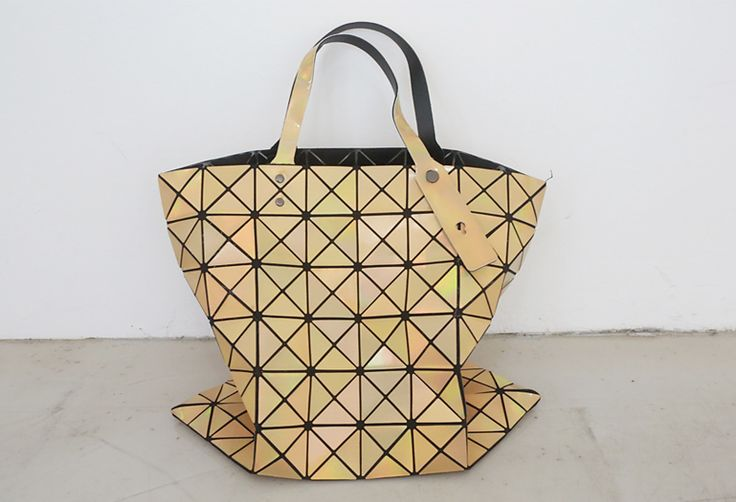 Loveliness of the female clothing shop. [Whitefox] Bao prism BAG / Size : FREE / Price : 59.29 USD Wrinkle paper shaped like a line that really interesting items! #bag #prism #uniquedesing #bigbag #koreafashion #womanfashion #dailylook #chic #OOTD #WHITEFOX