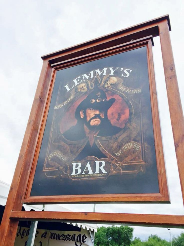 Bloodstock 2016: Motorhead man Phil Campbell officially launches new festival bar named in honour of his late bandmate.