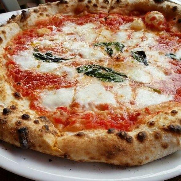 Pizza Margherita @ 400 Gradi