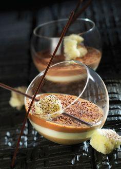 Tiramisu met crémeux van koffie https://njam.tv/recepten/tiramisu-met-cremeux-van-koffie