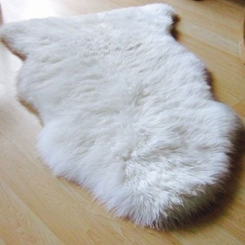 Therapeutic Benefits of Irish Lambskin Rugs    The natural hollow fibres of sheepskin rugs act as a thermostat controlling body temperatures, which is great for pain relief.   These beautiful soft plush extremely durable rugs provide warmth without over heating.   Sheepskins are naturally hypoallergenic and antibacterial, as the lanolin in the wool has a self