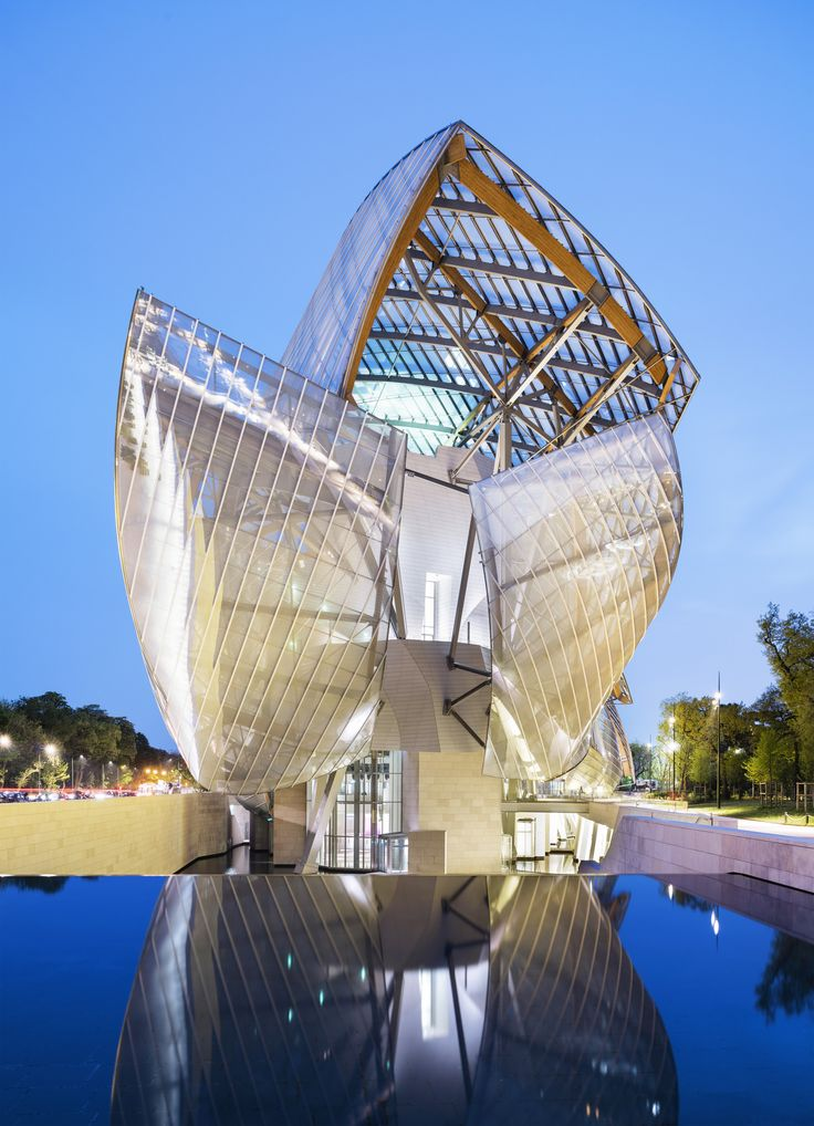 Frank Gehry's striking Fondation Louis Vuitton, an art museum located on the outer rim of Paris in the 16th arrondissement, resembles a futuristic ship with its overlapping glass sails. Be sure to explore its verdant grounds, adjacent to the Jardin d'Acclimatation in the Bois de Boulogne.
