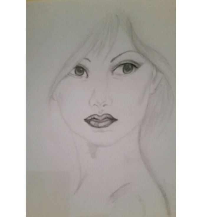 Long neck lady in graphite