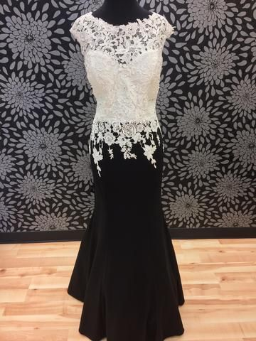 Black and White gown at The Bridal Cottage! #prom #formal #specialoccasion #thebridalcottage