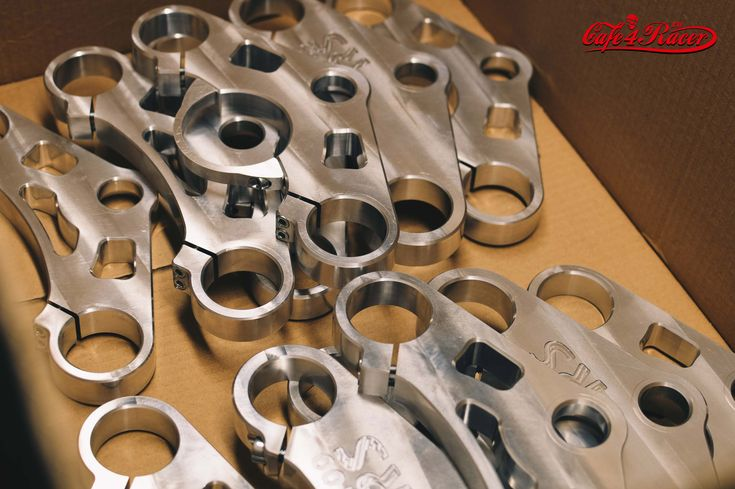 Top triple tree clamp upper / fork yoke for BMW K100 RS www.cafe4racer.eu