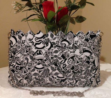 Gentuta alb-negru - CreatiiHandMade | Crafty