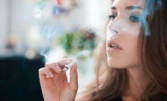 La nicotina actúa como un estimulante al organismo, se vuelve adictiva como el alcohol o cualquier droga; por eso cuando lo dejas aparece el famoso 'síndrome de abstinencia' y con estos remedios podrás controlarlo.