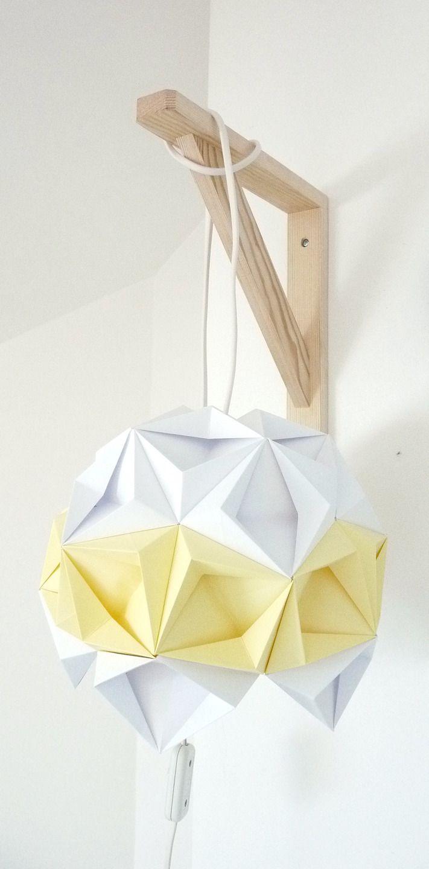 Luminaire, applique murale Origami blanc et jaune pâle : Luminaires par rue-rivoirette