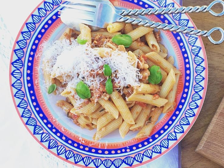 Pasta is a friday go to meal - simple, hearty, family loved #familyfood