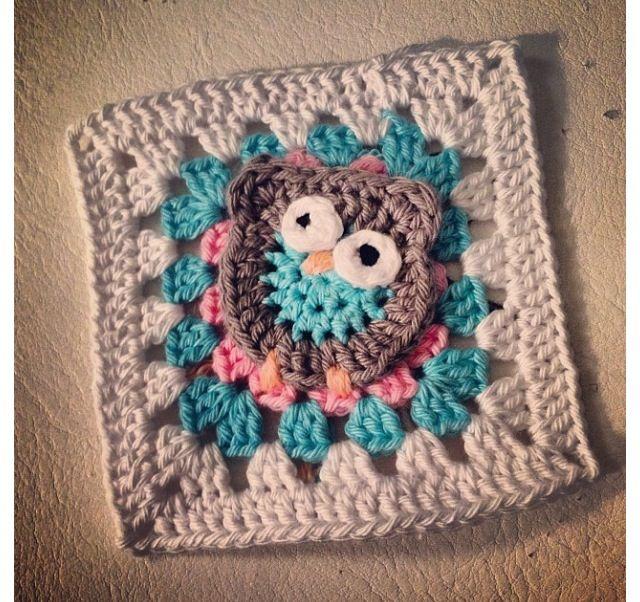 Söt uggla på mormorsrutor. Bild från @susanneaxelsson på Instagram