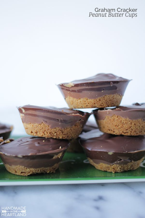 Holiday Baking: Graham Cracker Peanut Butter Cups, these treats are perfect for your christmas baking and so good!