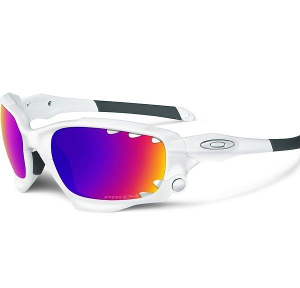 OAKLEY napszemüveg Racing Jacket Matte White Prizm Road & Pers Vented napszemüveg. Színes lencsés Oakley napszemüveg, mely különleges kialakításának köszönhetően minden sportágban és a mindennapokban is megbízható társ lehet. Stabil illeszkedés és könnyű, kényelmes viselet jellemzi. Lencséje UV400-as szűrőt tartalmaz, mely megvédi a szemet a káros sugaraktól. OLVASS TOVÁBB!