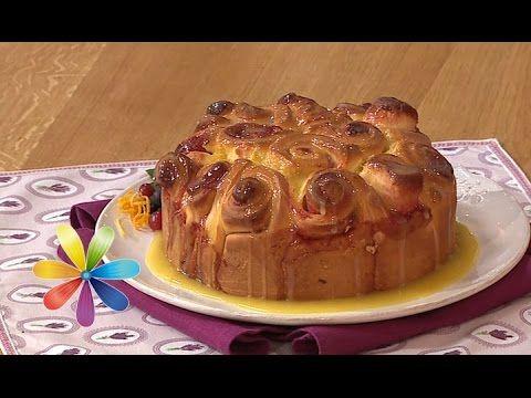 Хотите удивить близких необычными булочками, и при этом не возиться долго с тестом? Тогда приготовьте нежные клюквенные булочки в апельсиновой глазури по рец...