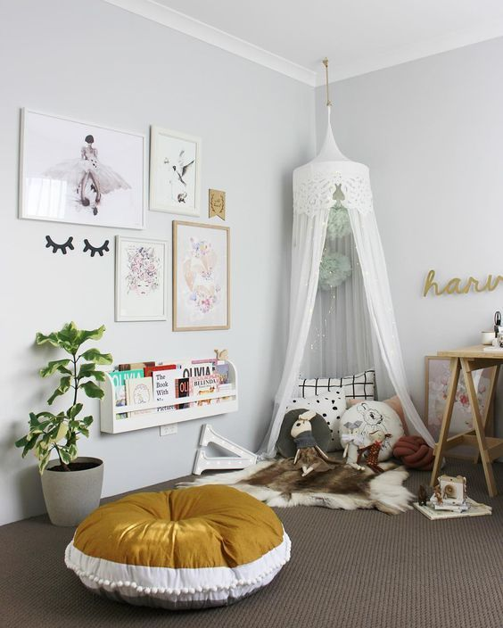 If you're looking for ideas on creating a cosy and imaginative reading space, here are some book corners to inspire you http://petitandsmall.com/cosy-imaginative-reading-corners-inspire-you/