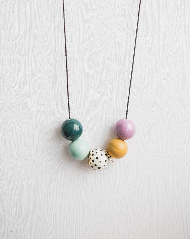 ber ideen zu basteln mit perlen auf pinterest kunststoff k gelchen handwerk. Black Bedroom Furniture Sets. Home Design Ideas