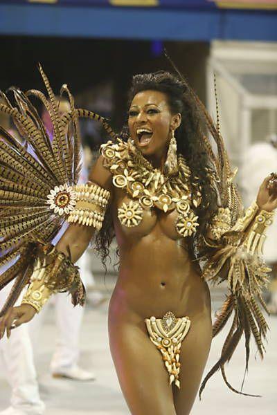 Nude brazilian female street dancers