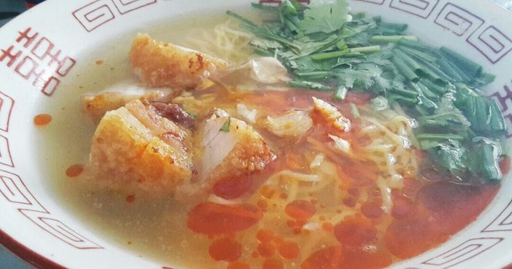 えっ何故即席 スープが即席だからです!激辛バーミーナームムーコップ 豚の唐揚げラーメン激辛編