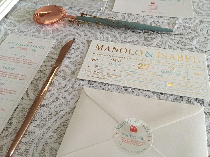 Invitación de boda de Isabel y Manolo con forma de ticket de cine y estampación en dorado y turquesa. #invitaciones #invitacionesdeboda #papeleríadeboda #papeleriacreativa #wedding #weddingstationery #stationery2018