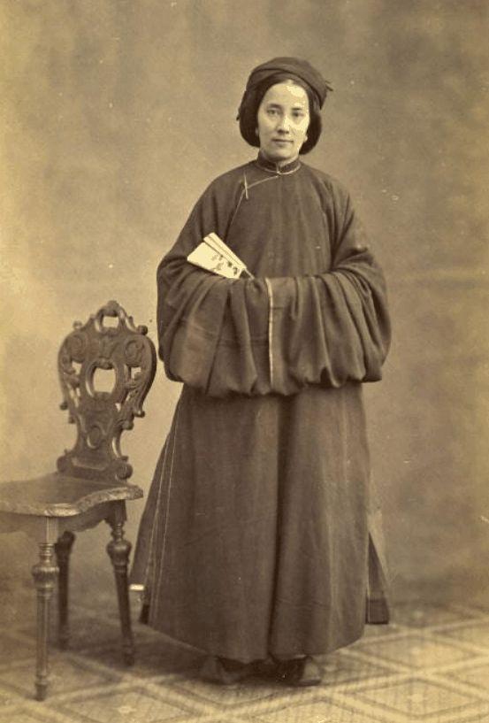 Ambassade Cochinchinoise à Paris. 1863. Marie Vannier, 40 ans, née à Hué de Seu-Dong cochinchinoise, et de Mr Vannier, officier de la Marine...