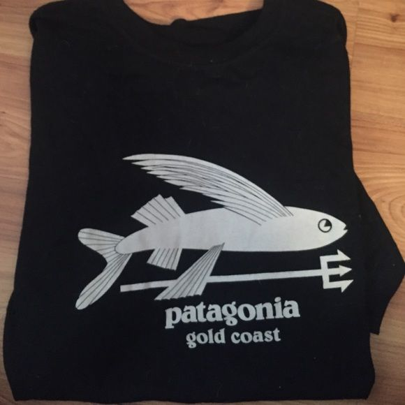 Patagonia Gold Coast tshirt NWOT Bought this while I was on exchange in Australia, and decided it just doesn't fit me right. Shirtsleeve cute t shirt with the fish logo. Super soft!!! Patagonia Tops Tees - Short Sleeve
