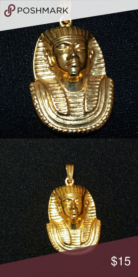 "Egyptian King Tut Design Goldtone Pendant 2""L×1""W, nicely detailed with well defined relief. Jewelry Necklaces"