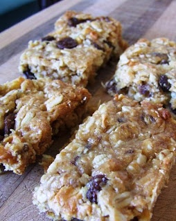 Full Little Tummies: Filling Lunchboxes with Muesli Slice