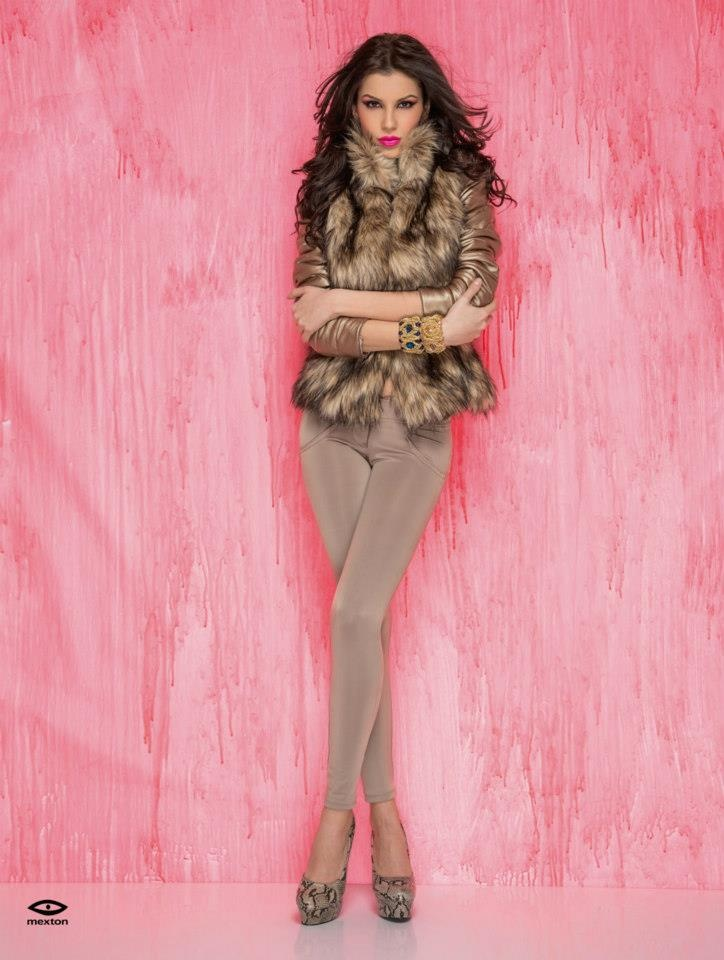 Blanita Mexton Natural Shine Gold cu Pantaloni Mexton Glassy Reveal Cream.