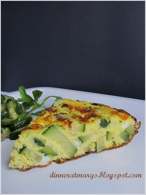 omelette with zucchini and mint