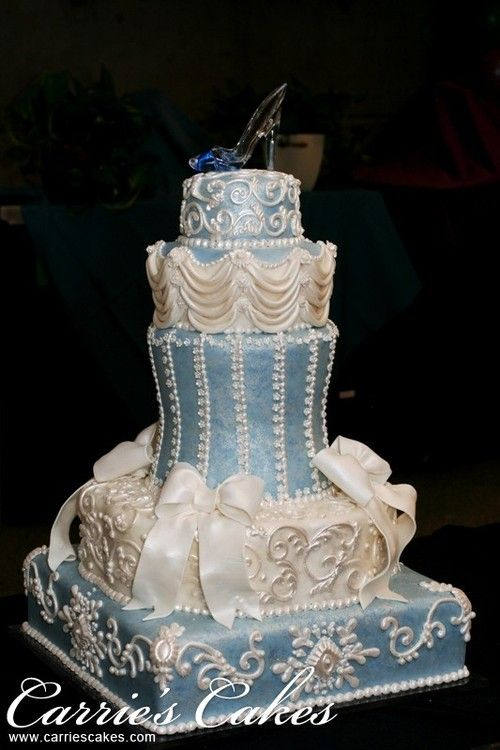 Cinderella Wedding Cake! Like the color and the delicate designs.
