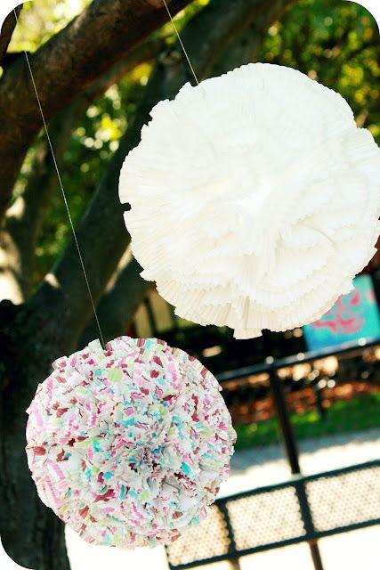 making theseCupcake Liners, Pom Poms, Cupcakes Liner, Wedding Ideas, Pompom, Liner Pom, Wedding Blog, Parties Ideas, Diy Wedding