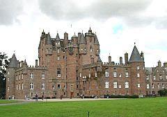 Glamis - Angus, Escócia - pertencente ao mais antigo dos clãs escoceses Strathmore desde 1372.