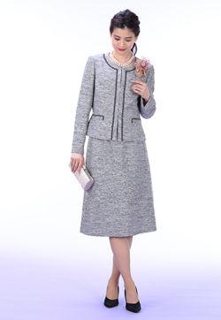 女性らしさを演出するスーツスタイル。60代コーデ♪スタイル・ファッションの参考に☆