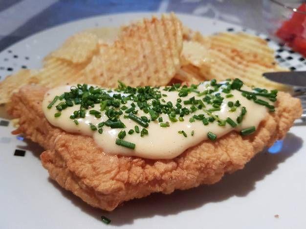 Fish & chips (sörtésztában sült pangasius, sült burgonyával) házi majonézzel