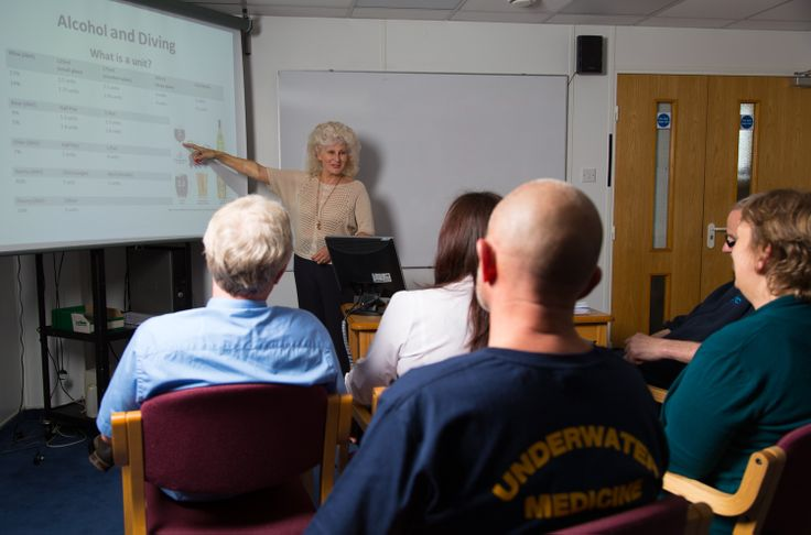 Lecture on Diving and Alcohol research, by DDRC Healthcare's researcher Marguerite St Leger Dowse