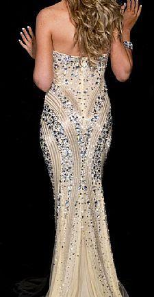 Vestido nude sereia com pedras prata - Ideal para formaturas, festas e outros eventos sofisticados - R$ 1.800,00 - http://www.vestidosonline.com.br/vestido-5393/vestido-de-formatura-nude-com-pedras-prata