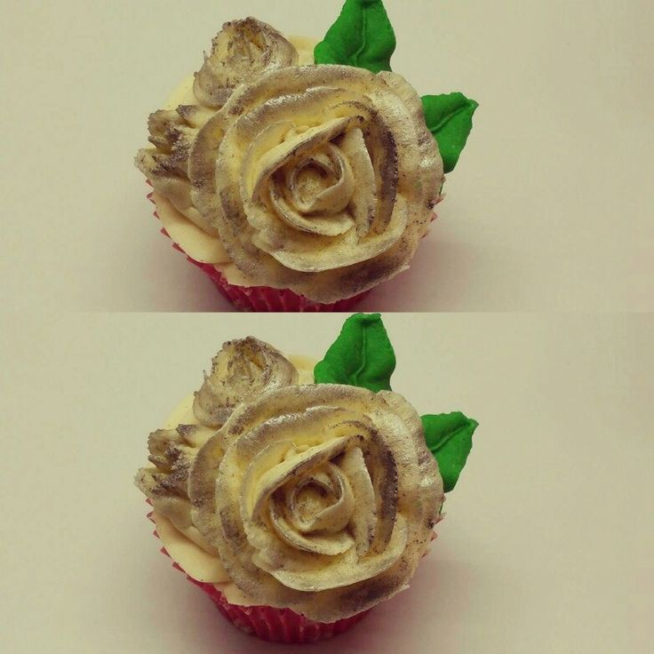 Our homemade cupcakes, made at Taylor's in street, Somerset, England!!