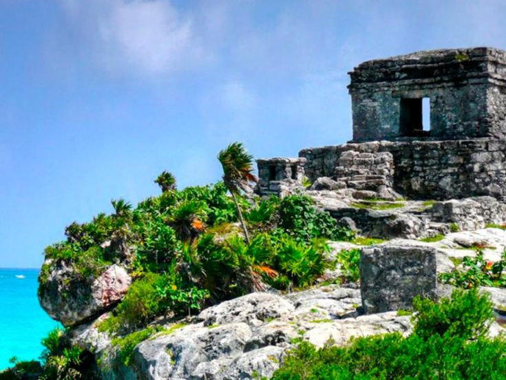 Maya Ruins - Mexico Tacos, the pyramids of Teotihuacán, Cinco de Mayo, Los Cabos, mariachi bands, Oscar De La Hoya and kayaking on the Sea of Cortez are a few reasons why we love this country.