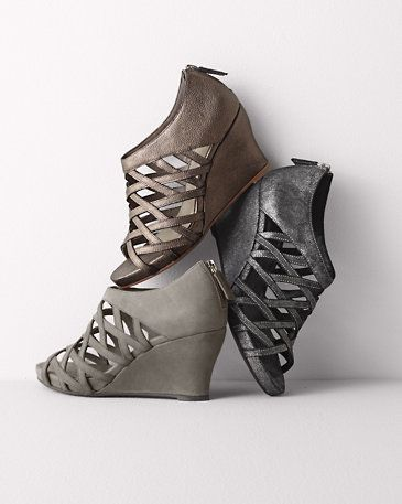 15 best zapatos de moda fashion shoes images on for Eileen fisher motor boots