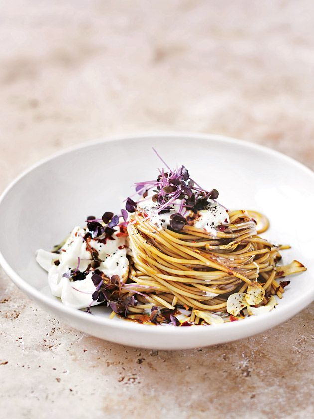 burrata, balsamic and chilli spaghetti