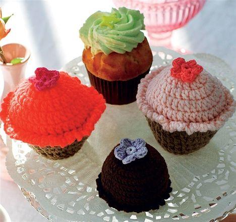 Hæklede cupcakes, Sarah Bernhardt og jordbærkager