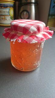 Æblegele, hjemmelavet æblegele, æblesirup, hjemmelavet æblesirup, noget med æbler, tilbehør til is, sirup til is, Carina Kaspersen