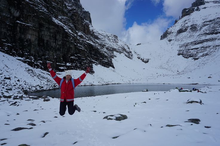 Hoorah, we made it to the top of the mountains in Canada! #snow #mountain