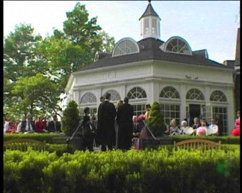 10 best sites in michigan to have your wedding ceremony and reception