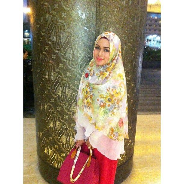 Floral hijab!