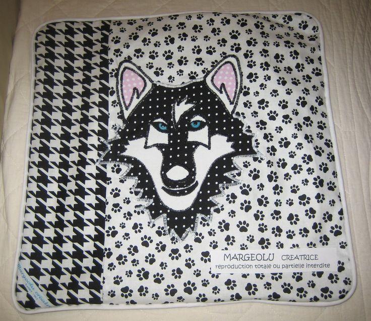 housse coussin loup,noir et blanc déco : Textiles et tapis par margeolu-ellin-s
